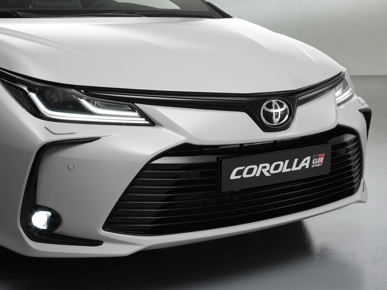 EXT Detail Corolla front CU 1a 21